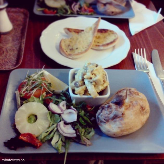 Caledonian Café Lunch Wina