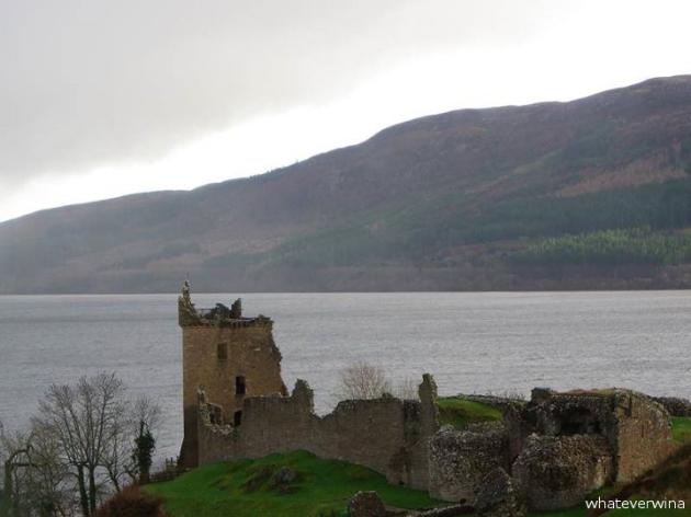 Urquhart Castle Wina